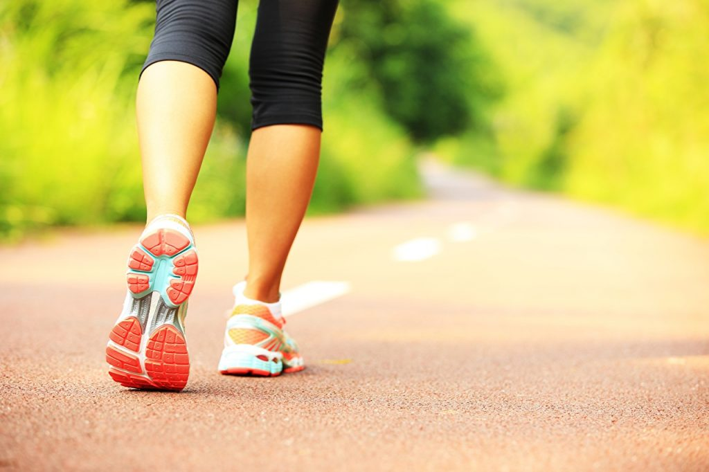 caminar para quemar calorías